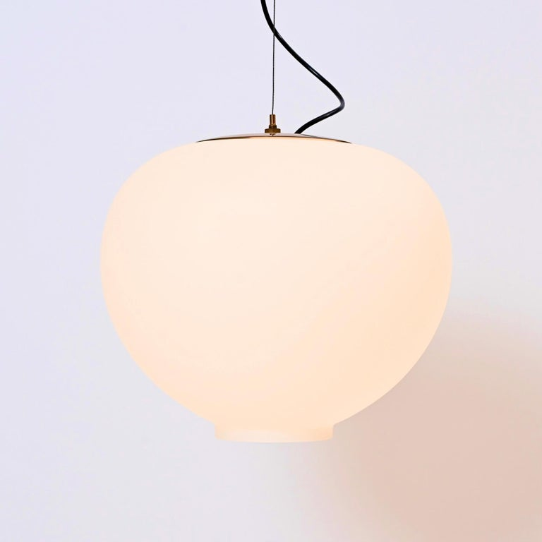 Mid-Century Modern Wire-Suspended Opaline Glass Ceiling Pendant by Stilnovo, Italy, circa 1955 For Sale