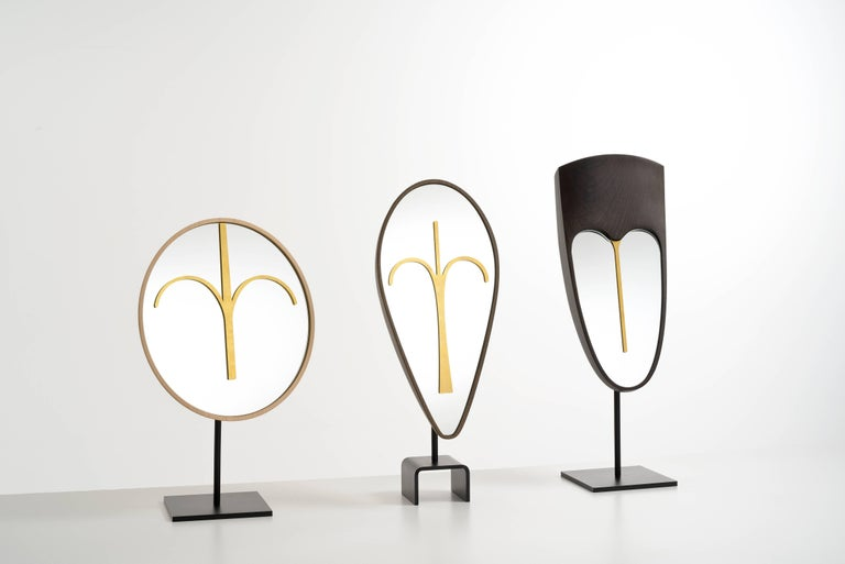 Wise Mirror Bikita, Brown Walnut Modern Tribal Mask, black base Available NOW In New Condition For Sale In Milan, Lombardy