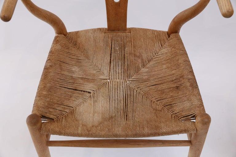 Oak Wishbone Armchairs by Hans Wegner For Sale 2
