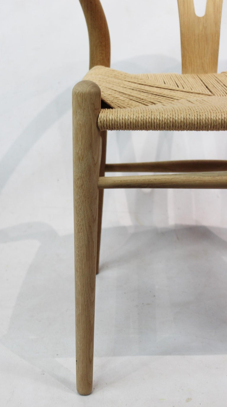 Mid-20th Century Wishbone Chair, Model CH24, in Oak and Paper Cord by Hans J. Wegner For Sale