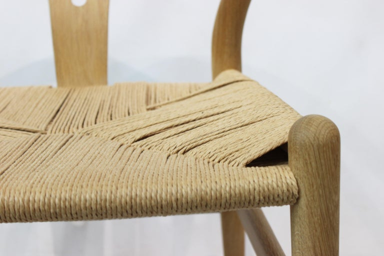 Papercord Wishbone Chair, Model CH24, in Oak and Paper Cord by Hans J. Wegner For Sale