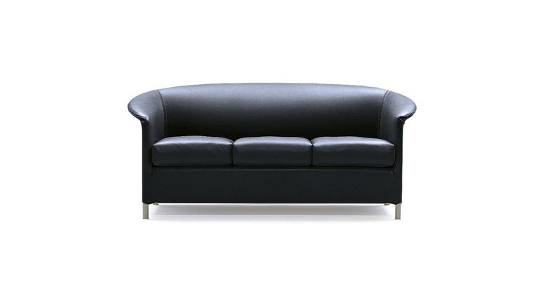 Contemporary Wittmann Aura Leather Armchair Designed by Paolo Piva For Sale