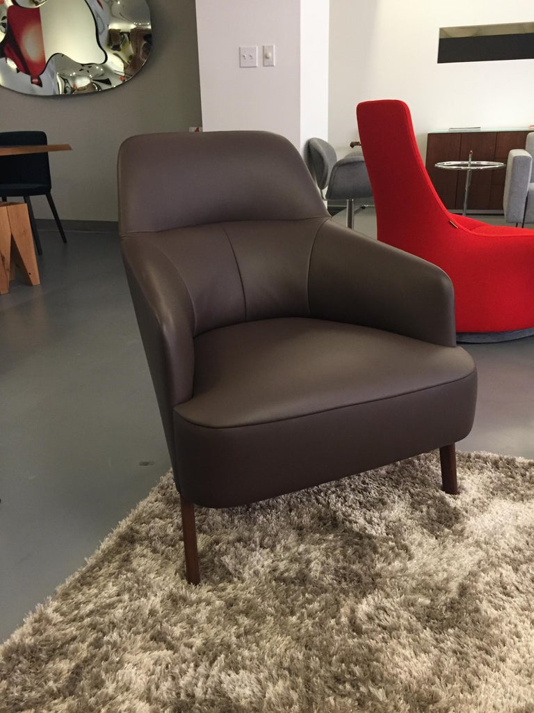 Mono lounge (nappa leather) Mono is both optically and physically a light piece of seating furniture – Classic, but with a contemporary update! The armchair is the result of the newest cooperation between the Wittmann Furniture Workshops and the