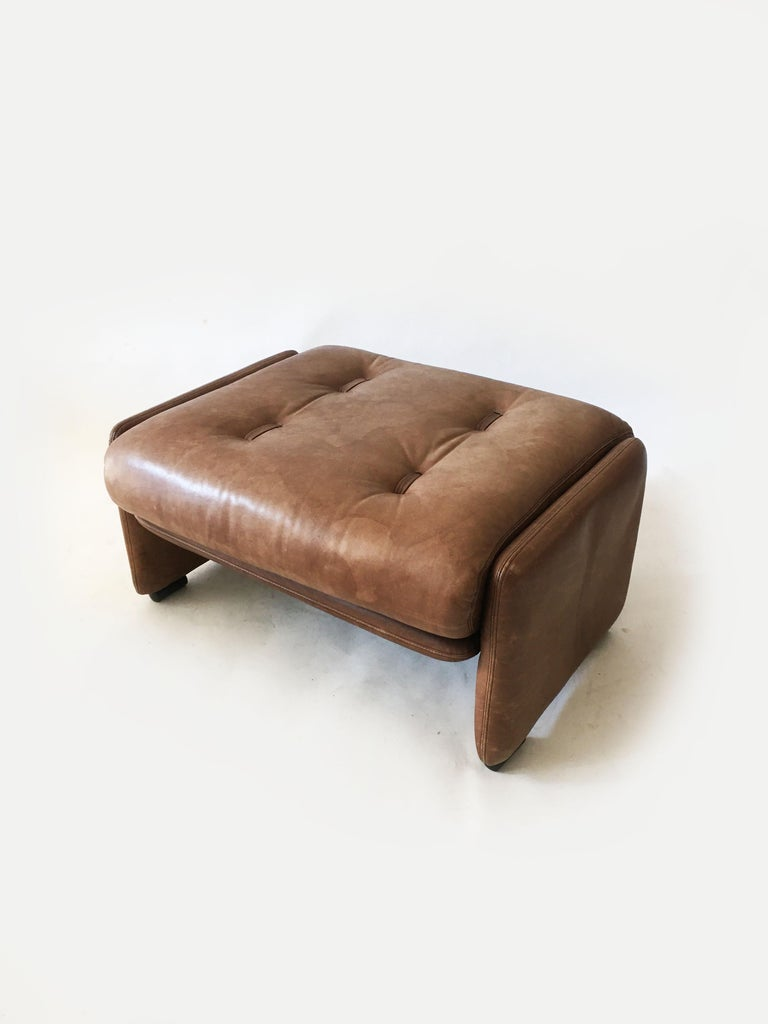 Wittmann Patinated Leather Ottoman Model 'Atrium' Set of Three, Austria, 1970s For Sale 3