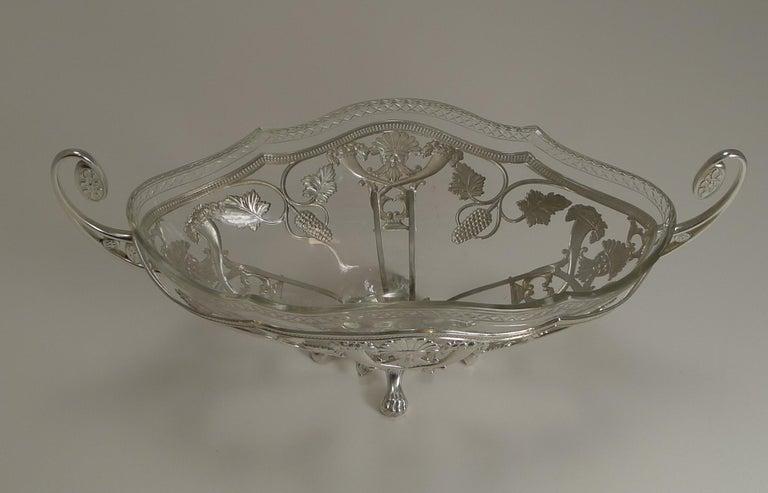 Art Nouveau WMF Silver Plated Centrepiece / Bowl, Original Crystal Liner, circa 1900 For Sale