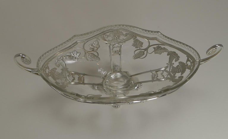WMF Silver Plated Centrepiece / Bowl, Original Crystal Liner, circa 1900 For Sale 1