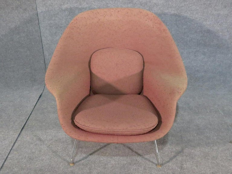 Mid-Century Modern Womb Chair by Knoll For Sale