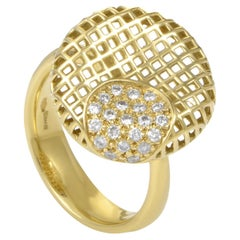 Women's 18 Karat Yellow Gold Round Grid Diamond Ring 1051785