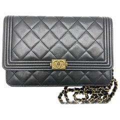 WOMENS DESIGNER Chanel Boy Wallet On Chain