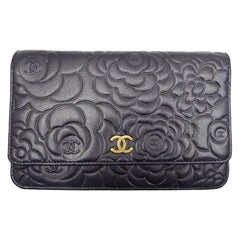 WOMENS DESIGNER Chanel Camelia Wallet On Chain