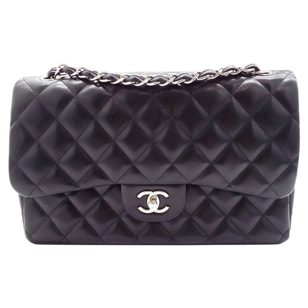 WOMENS DESIGNER Chanel Classic Jumbo Double Flap