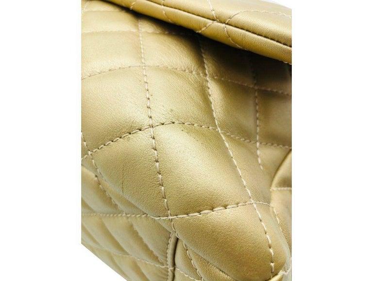 Women's Designer Chanel Classic XXL Travel Flap Bag For Sale 2