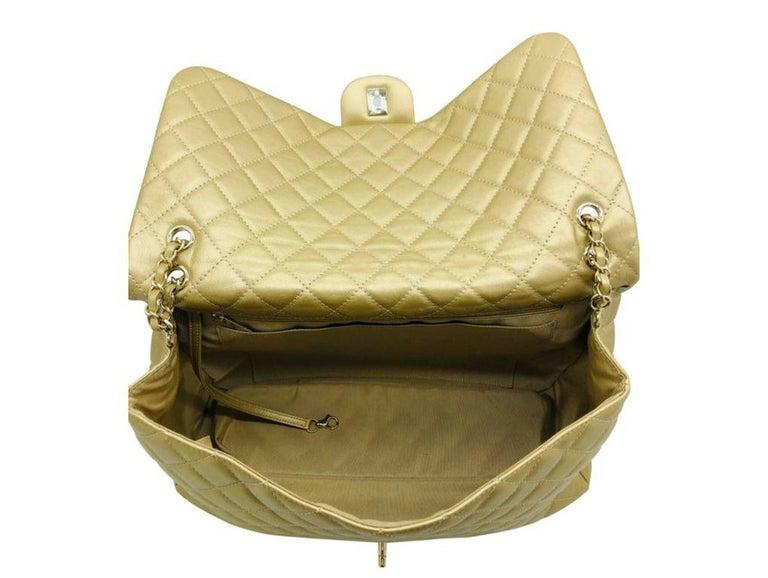 Women's Designer Chanel Classic XXL Travel Flap Bag For Sale 3