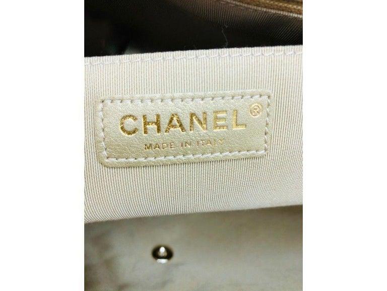 Women's Designer Chanel Classic XXL Travel Flap Bag For Sale 4