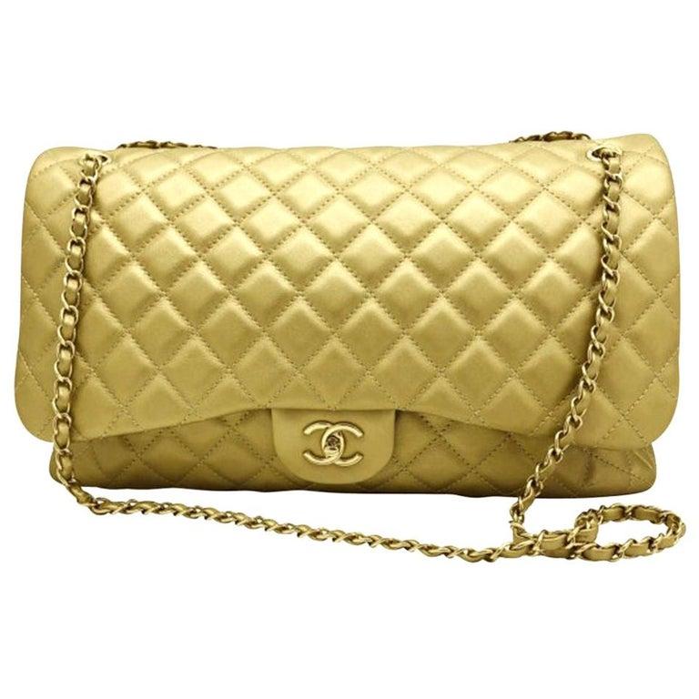 Women's Designer Chanel Classic XXL Travel Flap Bag For Sale