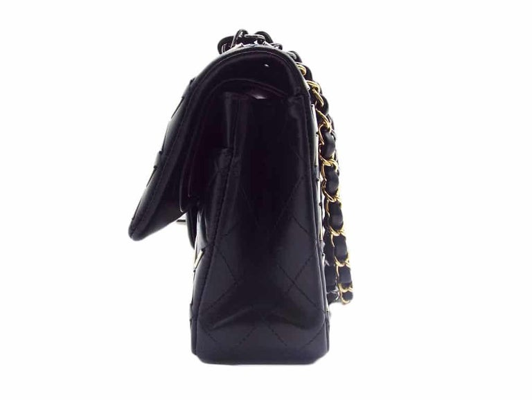 WOMENS DESIGNER Chanel Embellished Flap Bag – Medium In Excellent Condition For Sale In London, GB