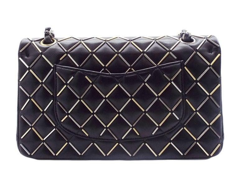 WOMENS DESIGNER Chanel Embellished Flap Bag – Medium For Sale 2