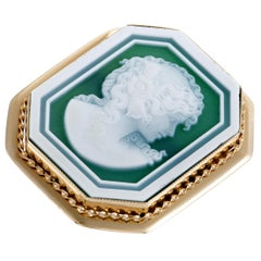 Womens Large 18K Yellow Gold Green Agate Cameo Large Ring