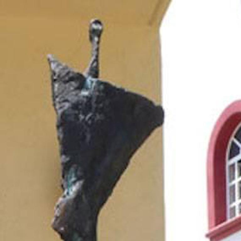 Ballerina of Guadalajara - Sculpture by Won Lee