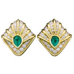 Wondefull Emerald and Diamond Earrings in 18 Karat Yellow Gold