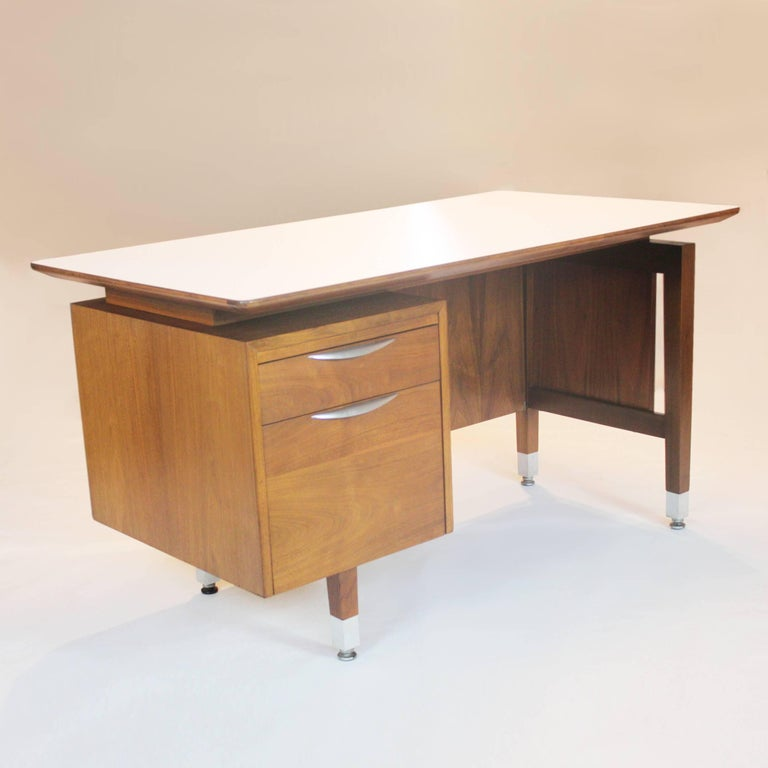 Wonderful 1960s Mid Century Modern Walnut Executive Desk