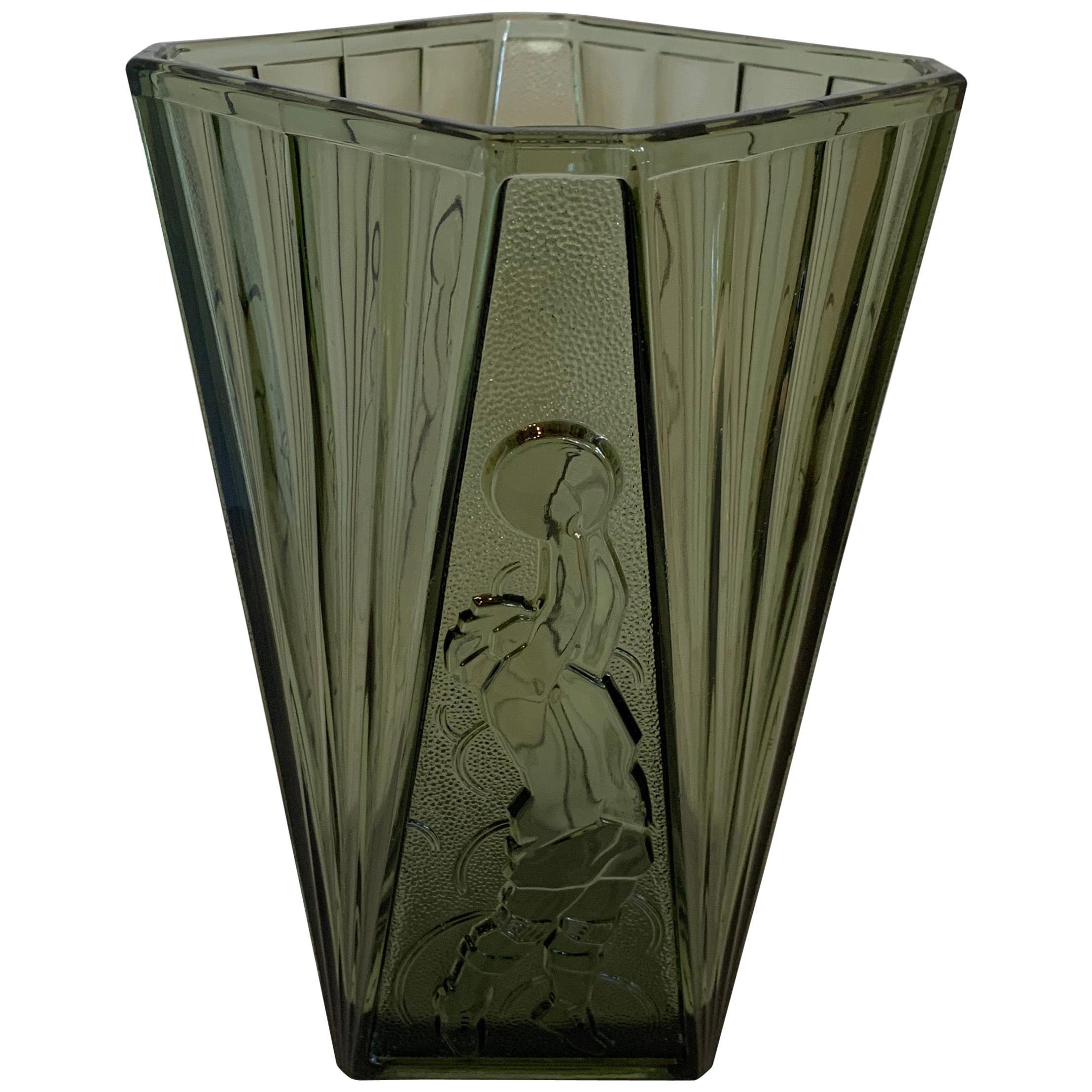Wonderful Art Deco Val Saint Lambert Luxval Vase Basketball Player Crystal Vase