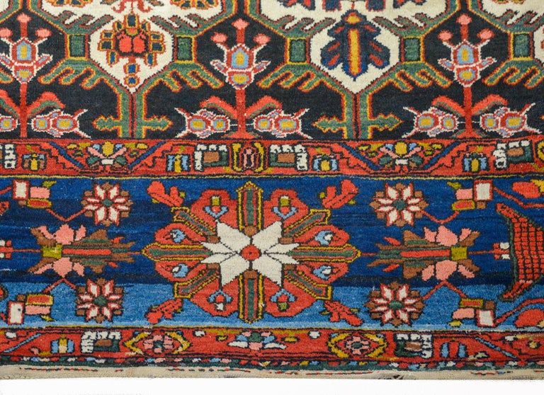 Wonderful Bakhtiari Rug In Good Condition For Sale In Chicago, IL