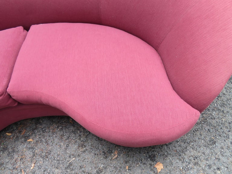 Wonderful Biomorphic Kidney Bean Shaped Sofa by Vladimir Kagan for Directional In Good Condition For Sale In Medford, NJ