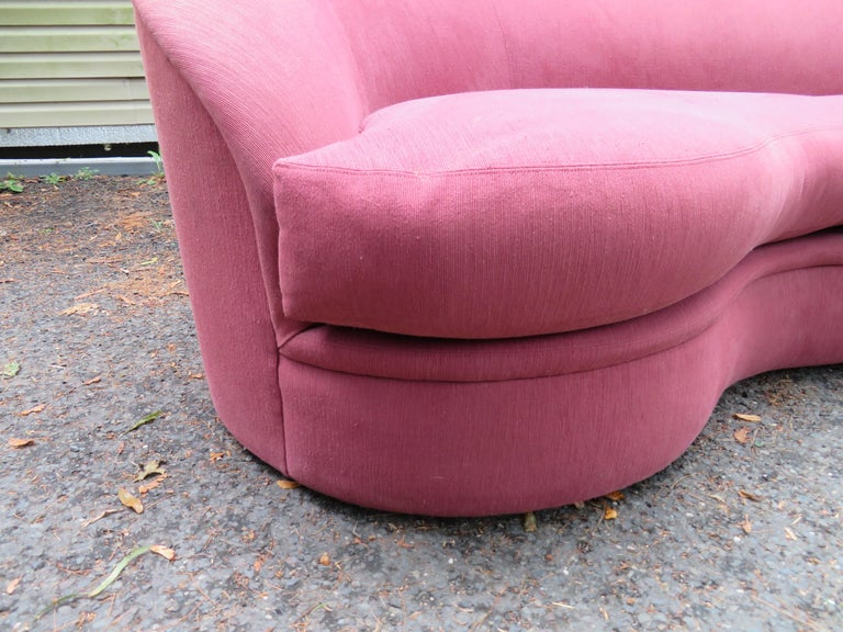Wonderful Biomorphic Kidney Bean Shaped Sofa by Vladimir Kagan for Directional For Sale 2