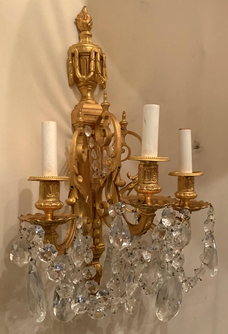 Wonderful French Neoclassical Pair of Doré Bronze Crystal Swag Urn Flame Sconces For Sale 1
