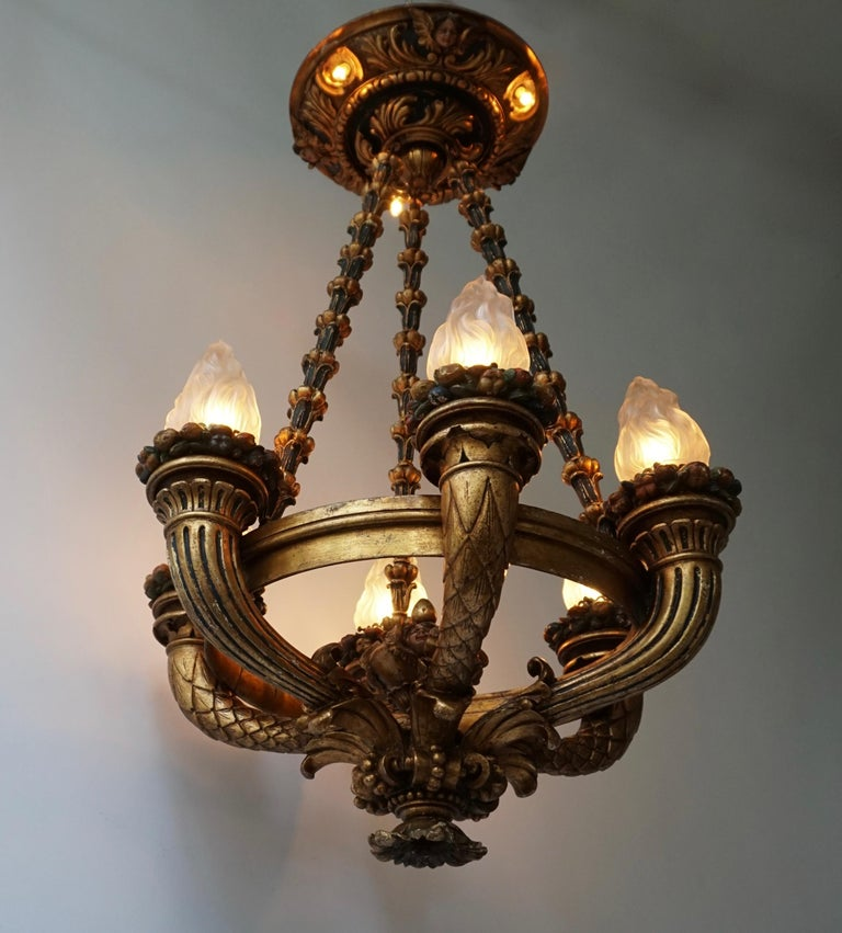 Wonderful Italian Giltwood Cherubs Putti and Painted Fruit Chandelier For Sale 6