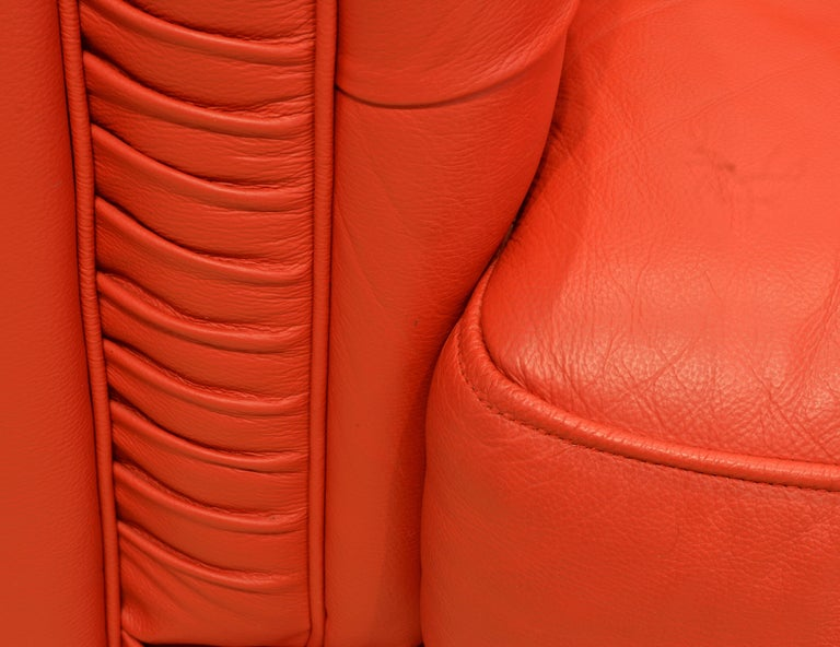 Wonderful Italian Red Leather Chesterfield Sofa in the Style of Poltrona Frau For Sale 7