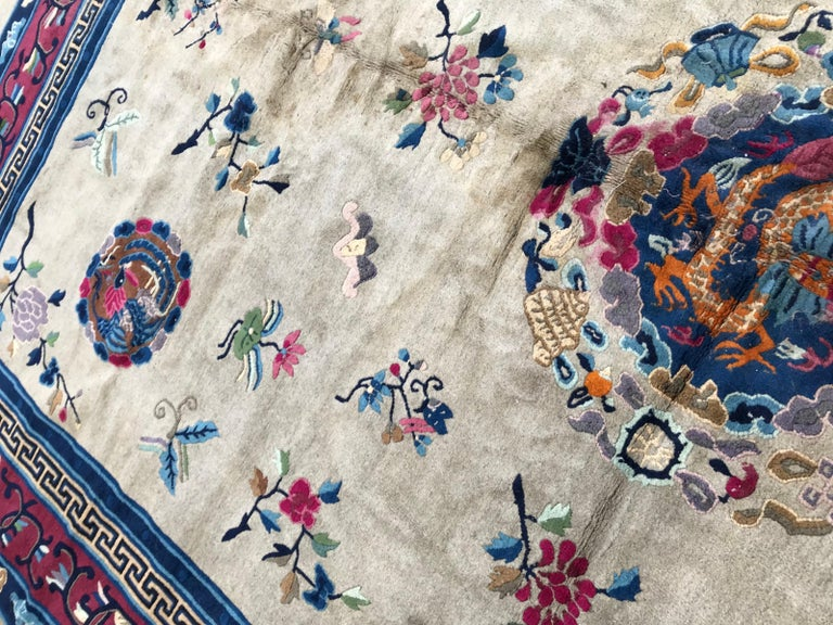 Wonderful Large Antique Chinese Dragon Rug In Good Condition For Sale In Saint Ouen, FR