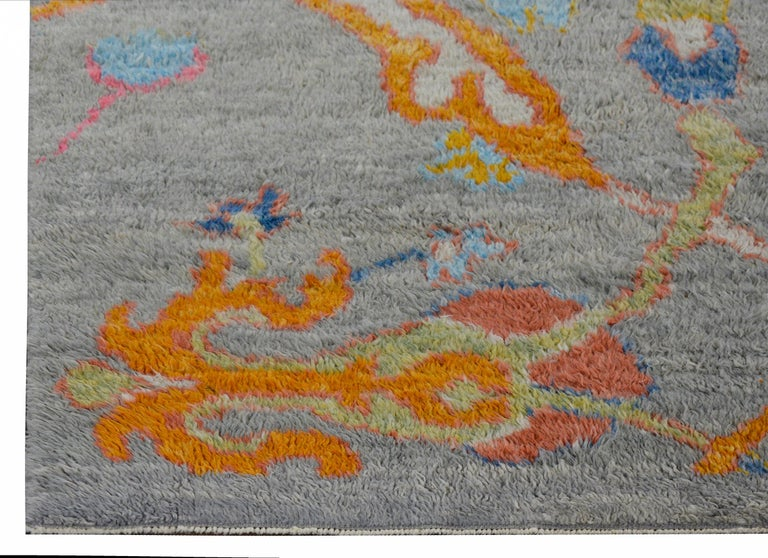 Wonderful Modern Turkish Tulu Rug In Good Condition For Sale In Chicago, IL