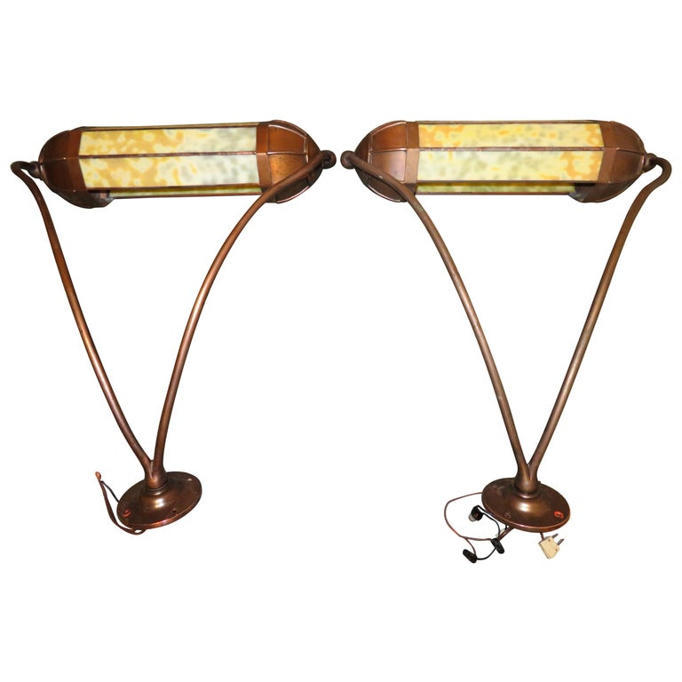 Wonderful Pair Art Deco Tiffany Style Bronze Picture Light for Art Illumination For Sale