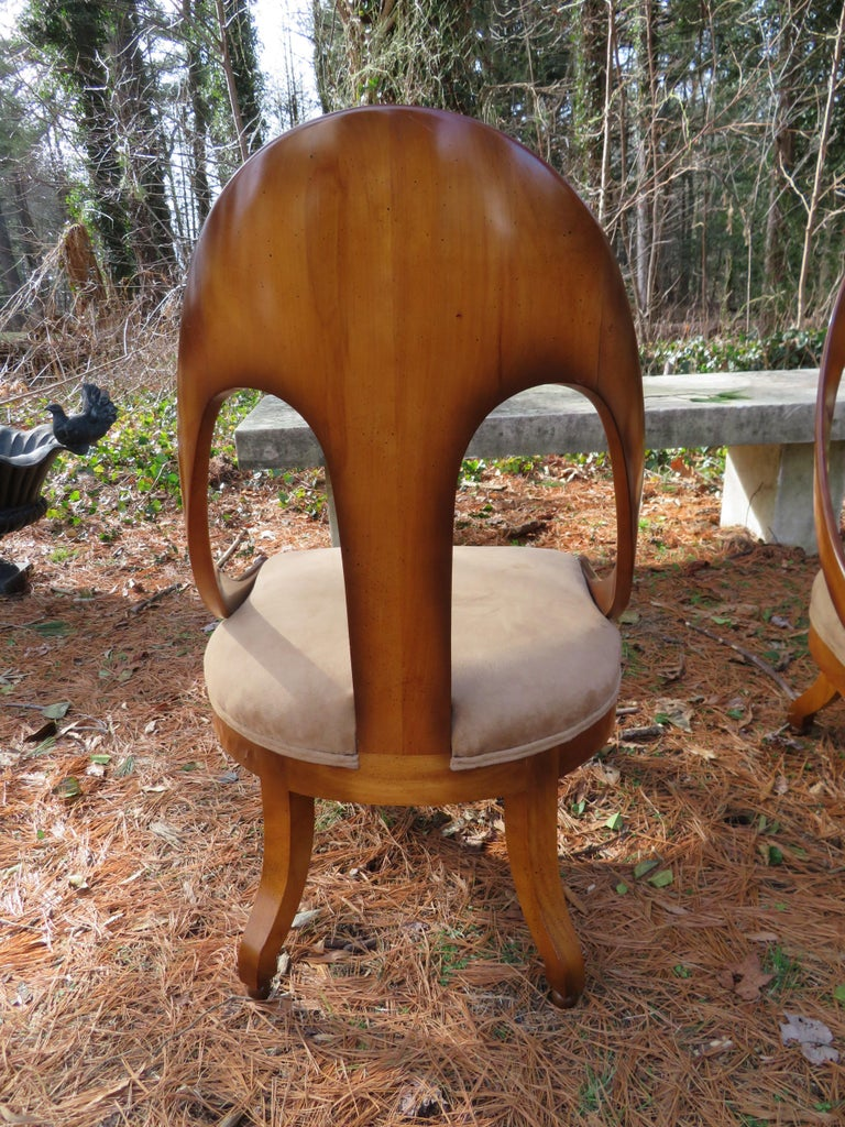 Wonderful Pair of Michael Taylor for Baker Spoon Back Neoclassical Chairs In Good Condition For Sale In Medford, NJ