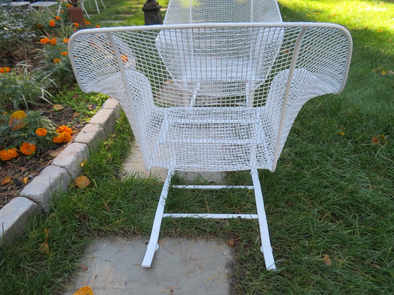 Mid-Century Modern Pair of Russell Woodard Sculptura Springer Patio Lounge Chairs Midcentury For Sale