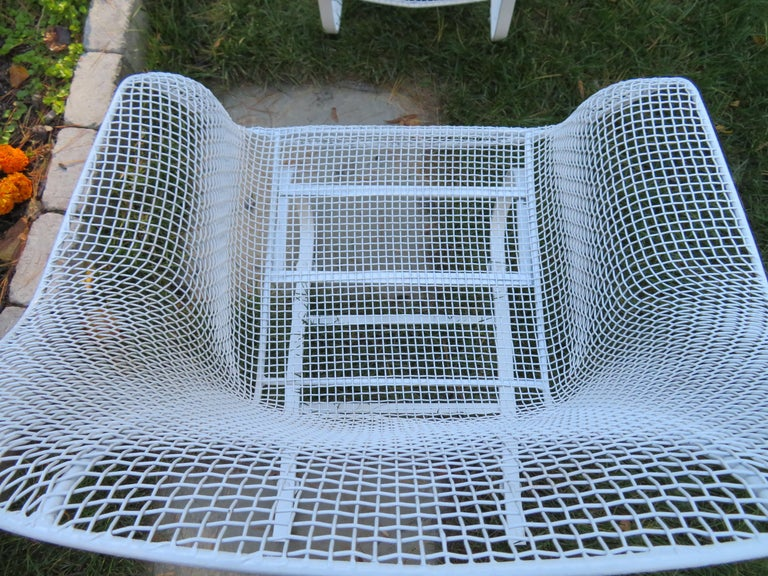 American Pair of Russell Woodard Sculptura Springer Patio Lounge Chairs Midcentury For Sale