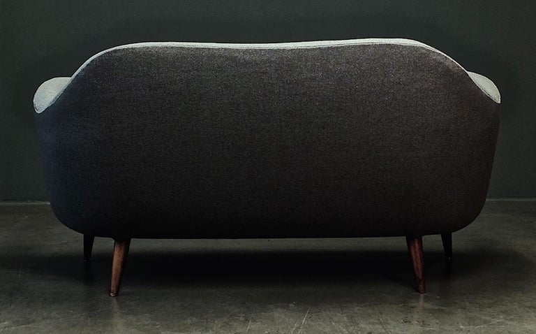 Wonderful Settee with Amazing Shape For Sale 7