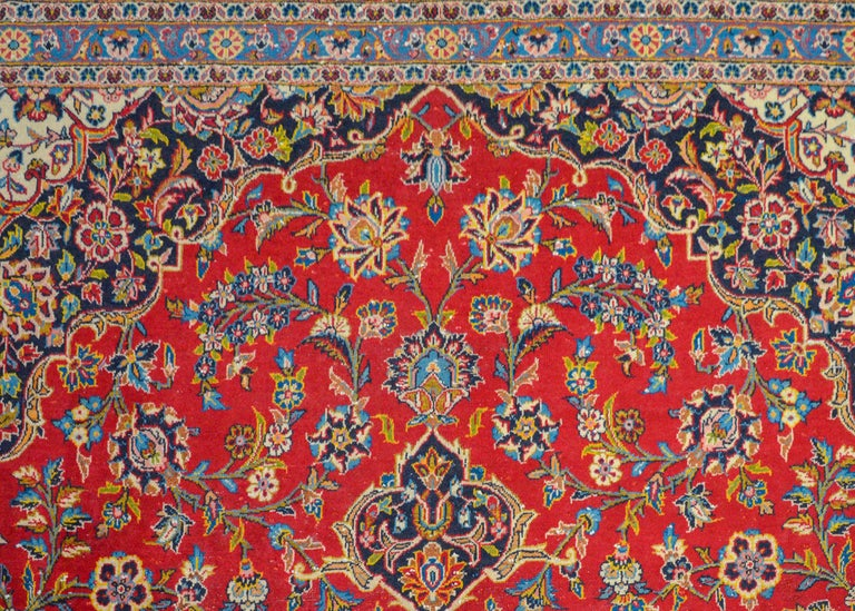 Wonderful Traditional Kashan Rug In Good Condition For Sale In Chicago, IL