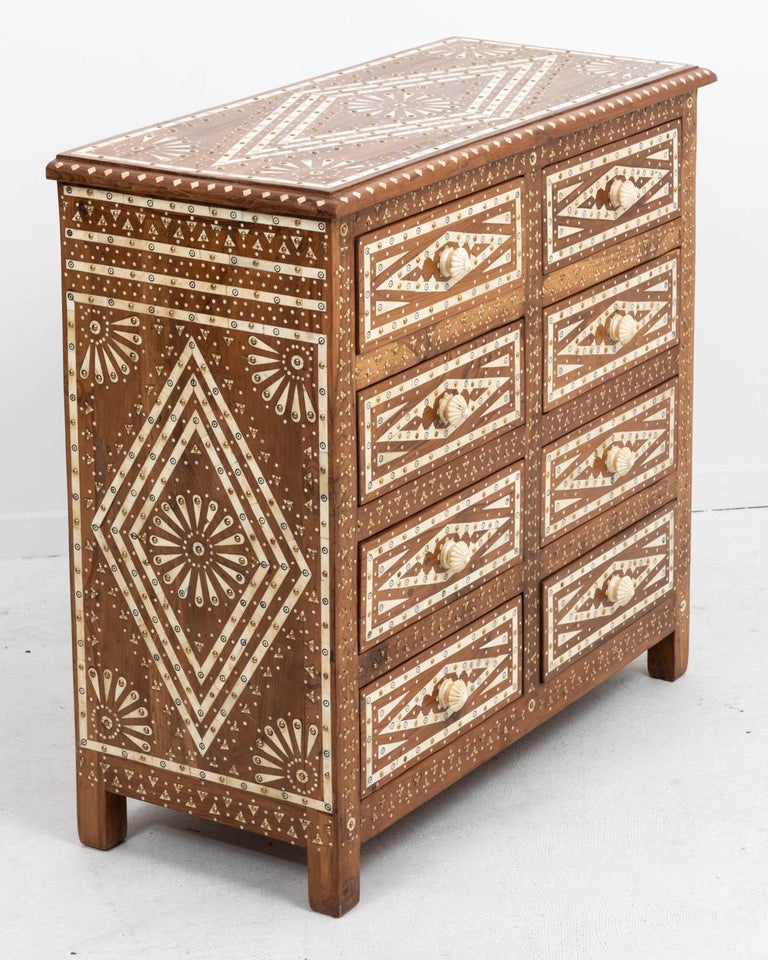 Wood and Bone Inlaid Chest of Drawers In Good Condition For Sale In Stamford, CT