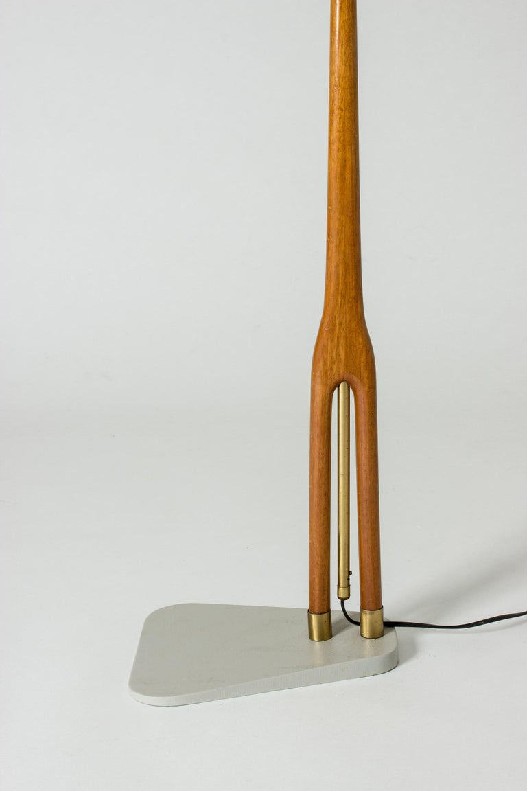 Wood and Brass Floor Lamp from Asea, Sweden In Good Condition For Sale In Stockholm, SE
