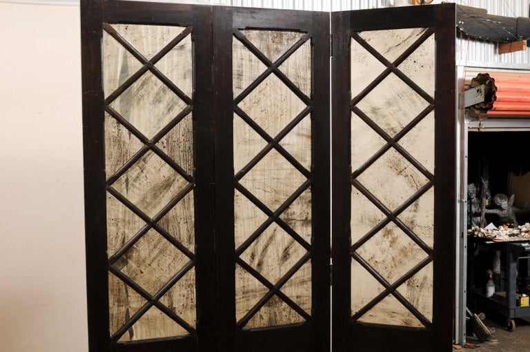 Wood and Mirrored Folding Screen, Mid-20th Century In Good Condition For Sale In Atlanta, GA