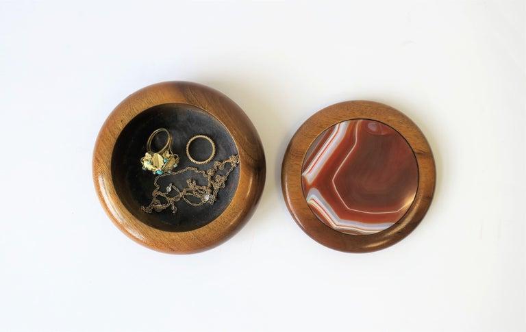 Brazilian Agate Onyx Geode and Wood Round Jewelry or Trinket Box, Brazil For Sale
