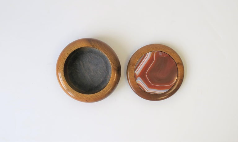 Lacquered Agate Onyx Geode and Wood Round Jewelry or Trinket Box, Brazil For Sale