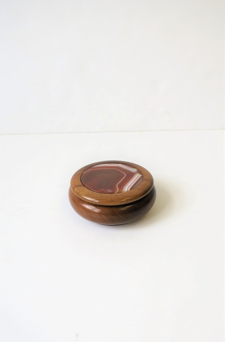 Wood and Onyx Agate Geode Round Jewelry or Trinket Box For Sale 3