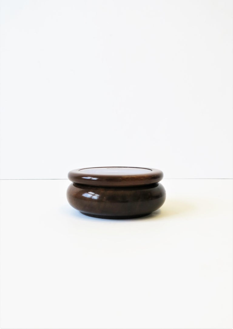 20th Century Purple Agate Onyx Geode and Wood Round Jewelry or Trinket Box, Brazil For Sale