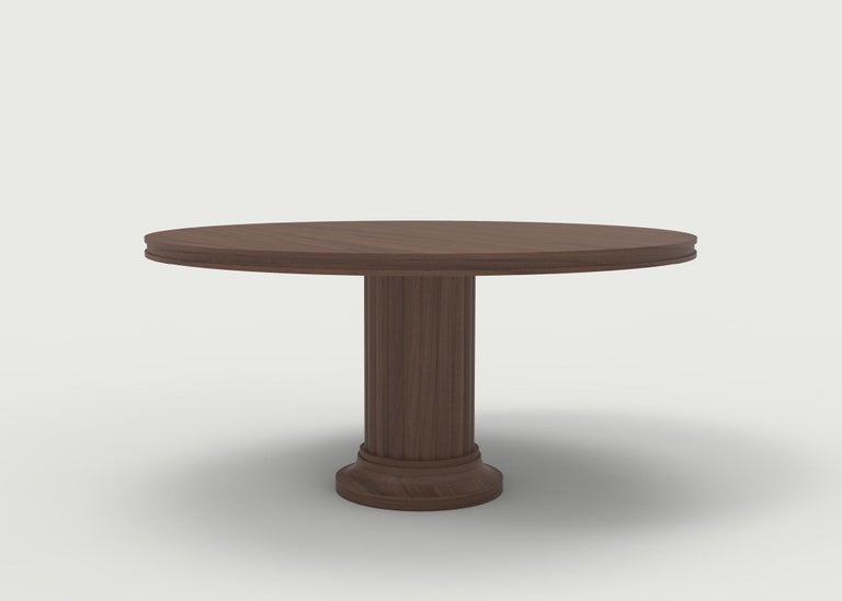 American Classical Wood Pedestal Dining Table with Carved Base and Wood Top with Carved Edge For Sale