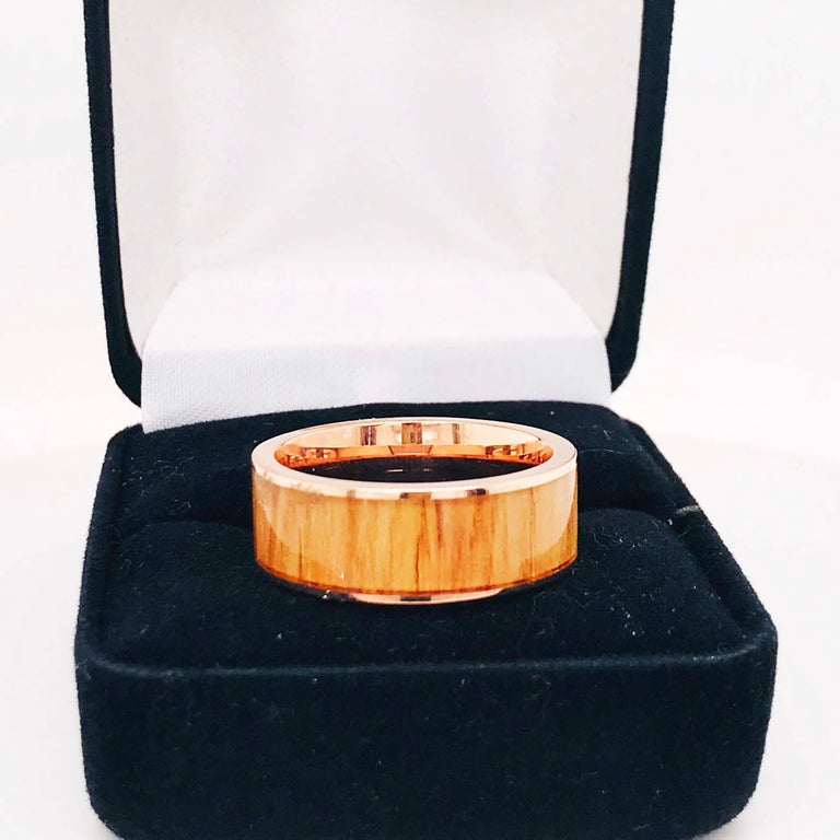 Wood Rose Gold Men's Band, Modern Red Oak Wood 14 Karat Rose Gold Men's Band For Sale 5