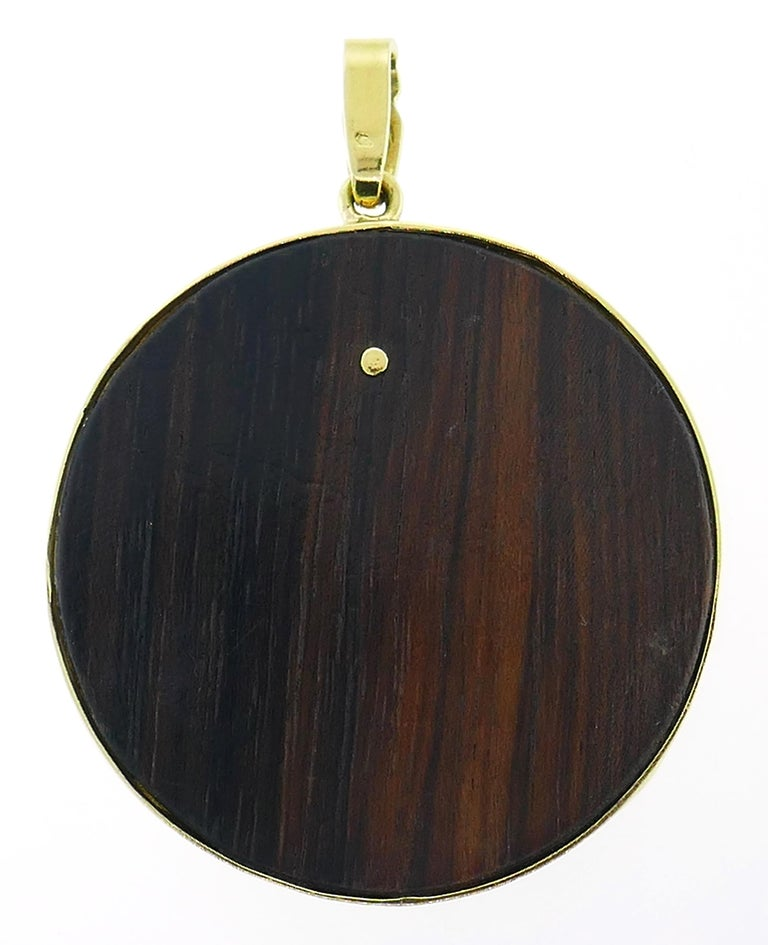 Wood Yellow Gold Pendant French In Good Condition For Sale In Beverly Hills, CA